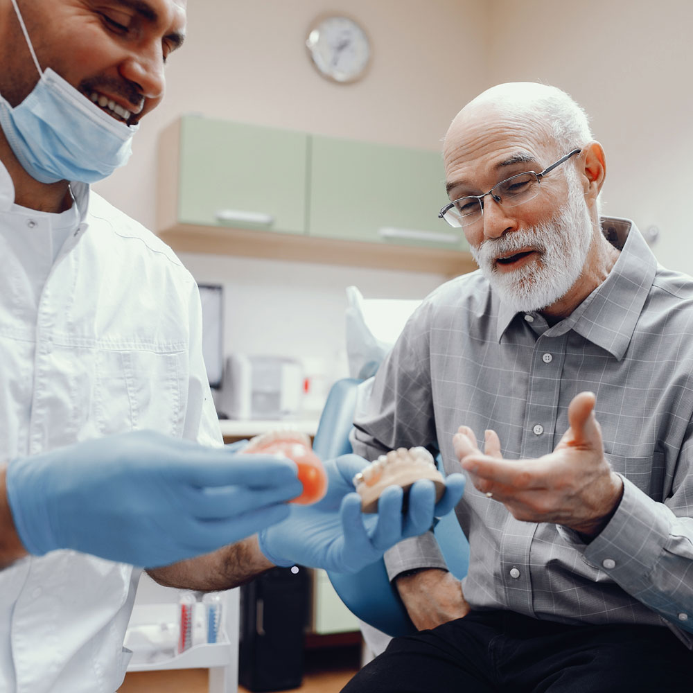 How do dentures break